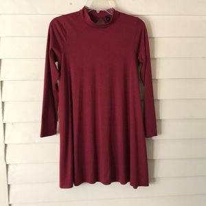Pullover tunic with keyhole back Size Medium